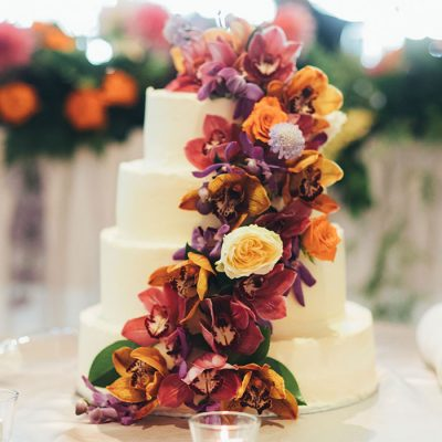 Wedding-cakes-by-Simmone-Logue